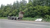 На Новомосковском шоссе у фуры развалился прицеп. 28.05.2014, Фото: 1