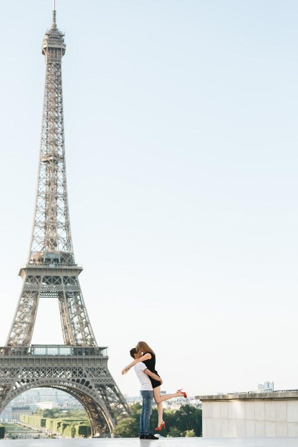 Не зря Париж городом любви называют)