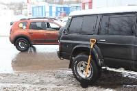 В Туле опрокинувшийся в кювет BMW вытаскивали три джипа, Фото: 24