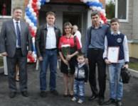 Вручение ключей от новых квартир переселенцев из аварийного жилья в Донском, Фото: 6