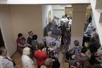 В Туле пенсионеры толпятся в огромной очереди на продление проездных, Фото: 4