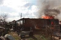 На Калужском шоссе загорелся жилой дом, Фото: 10