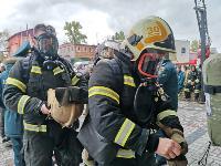 Тульские пожарные провели соревнования по бегу на 22-этаж, Фото: 40