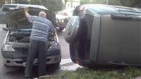 В Туле в результате аварии перевернулся автомобиль, Фото: 2