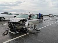 В ДТП на трассе М-2 в Туле у внедорожника оторвало колесо, Фото: 2