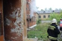В Скуратово загорелось заброшенное училище, Фото: 3