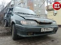 На ул. Ложевой в Туле после столкновения ВАЗ вылетел на тротуар, Фото: 2