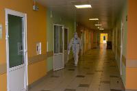 В положении на животе пациенты проводят до 16 часов в сутки. Тяжело, зато помогает выздороветь., Фото: 22