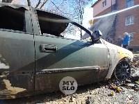 Ночной пожар в Петелино: огонь повредил три автомобиля, Фото: 7