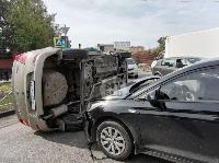 В Туле на ул. Оборонной Renault Logan после ДТП опрокинулся набок, Фото: 8
