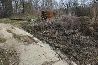 С заброшенных очистных канализация много лет сливается под заборы домов, Фото: 37