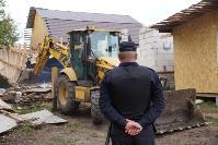 В тульском селе сносят незаконные цыганские постройки, Фото: 33