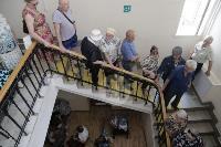 В Туле пенсионеры толпятся в огромной очереди на продление проездных, Фото: 9
