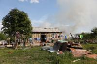С огнем в жилом доме в селе Теплое боролись три пожарных расчета, Фото: 19