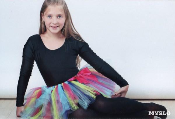 Черных Станислава, 10 лет. Модель. Занимается танцами, театральным искусством, музыкой. Любит вязать
