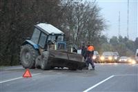 На въезде в Тулу трактор протаранил внедорожник, Фото: 11
