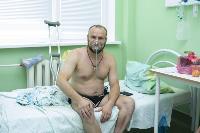 В положении на животе пациенты проводят до 16 часов в сутки. Тяжело, зато помогает выздороветь., Фото: 18