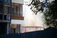 На стройке на улице Фрунзе сгорели вагончики рабочих., Фото: 1