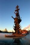 Памятник Петру I. Воздвигнут в 1997 году по заказу Правительства Москвы на искусственном острове в развилке Москвы-реки и Водоотводного канала. Общая высота монумента составляет 98 метров., Фото: 3