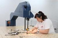 В Дубенском районе Алексей Дюмин осмотрел швейную фабрику, Фото: 3