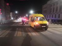 Ночью в Туле водитель легковушки врезался в реанимацию, Фото: 2