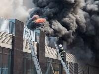 Загорелся недостроенный ТЦ на Красноармейском проспекте, Фото: 46