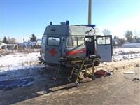 Автомобиль «скорой помощи» столкнулся с грузовиком, Фото: 6