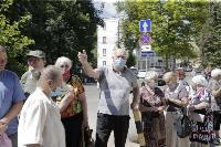 В Туле пенсионеры толпятся в огромной очереди на продление проездных, Фото: 19