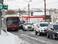 Улица Металлургов в Туле встала в пробке из-за ДТП с автобусом, Фото: 4