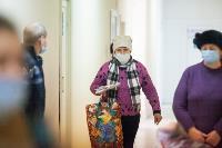 В Киреевске поликлинике помогают волонтеры, Фото: 25