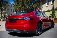 Владелец первого электромобиля Tesla рассказал, почему теперь не хочет ездить на других машинах, Фото: 33