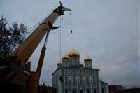 Утром 15 ноября в Тулу привезли шпиль для колокольни Успенского собора, Фото: 15