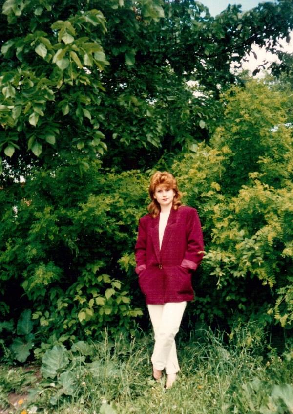Малиновый пиджак-мода 90-х