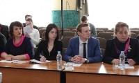 В Донском Алексей Дюмин вручил школе искусств сертификат на покупку домры, Фото: 17