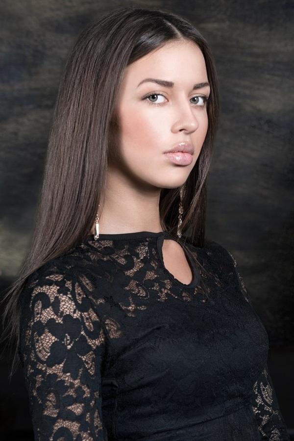 Алина Богомолова