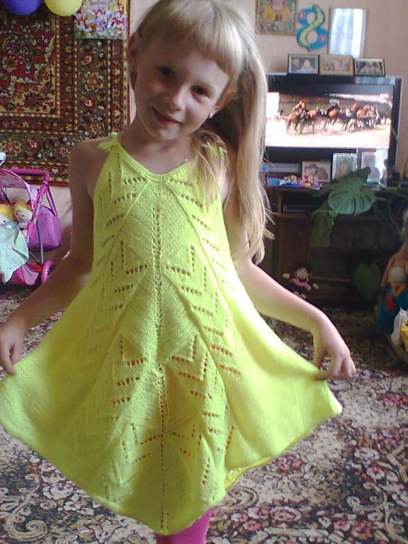 Вот такой вот-топ-платье для дочки)