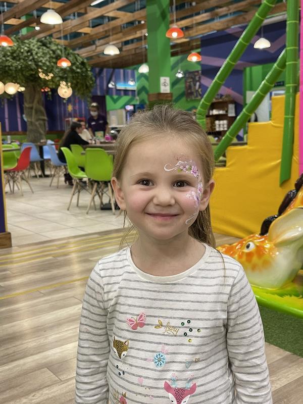 Детство – утренняя улыбка радости навстречу жизни.