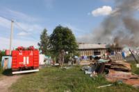 С огнем в жилом доме в селе Теплое боролись три пожарных расчета, Фото: 23