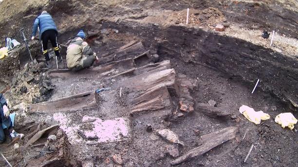 Раскопки массового захоронения г. Тула, Крестовоздвиженская площадь. Апрель 2018 года